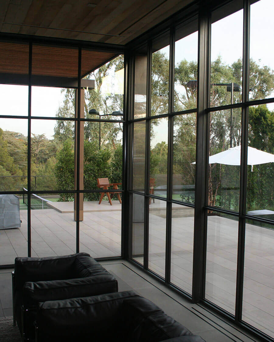 Jada | Thermally Broken Steel Corner Locking Sliding Door